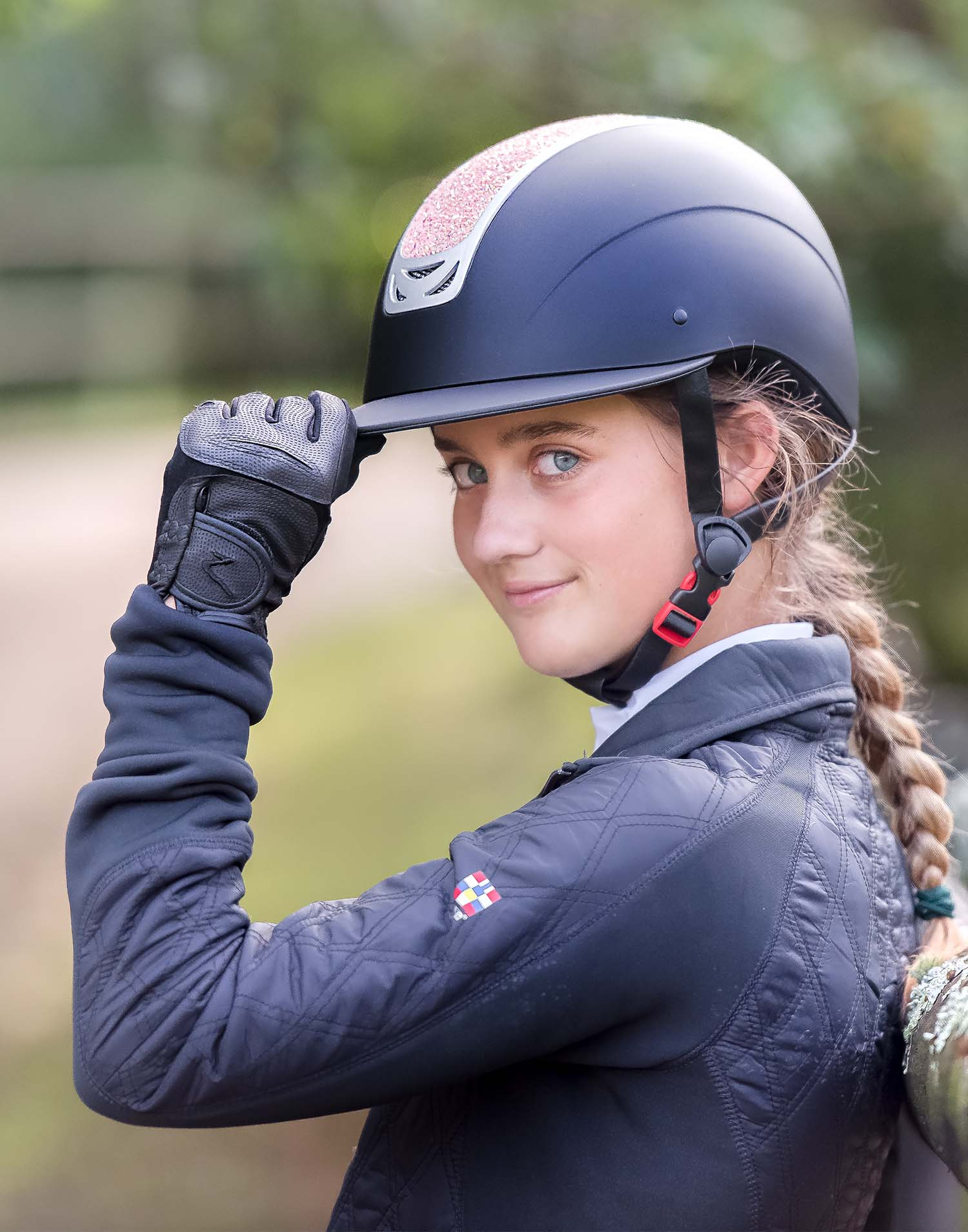 High quality high impact helmet, ABS shell with EPS foam, wide visor, glitter detail, certified horse riding helmet with safety standards VG1 01.040 2014-12, great ventilation, removable liner.